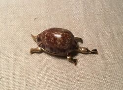 Vintage 9k Yellow Gold Figural Moveable Turtle & Conch She'll Pendant