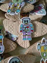 JOB LOT 10 HANDMADE ROBOT SPACE THEMED WOODEN BROOCHES party favours etc GBP 4.00