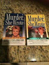 Lot of 2 MURDER SHE WROTE Paperbacks:MAJORING IN MURDER & MURDER ON THE QE2