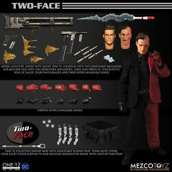 Mezco ONE:12 COLLECTIVE Batman Two Face 6 inch action figure DC SHIPPING SOON $124.99