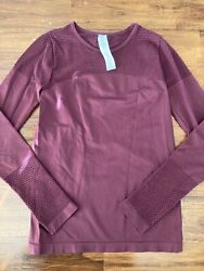 NEW Fabletics Maroon Long Sleeve Laser Perforated Size Small NWOT $20.90