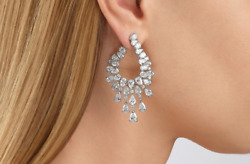 Impressive Pair Of Chandelier Women#x27;s Earrings With 16.55CT White Cubic Zirconia $320.00