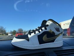 New Air Jordan 1 Mid Gold Shadow Casual Basketball Shoe Sz 6Y 554725 190 $140.00