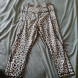 Capri Leggings Size Small With Media Pockets $15.00