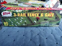 Atlas #777 HO Scale 3 Rail Fence and Gate NEW $4.05
