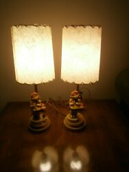 Vtg Mid Century Pair Lamps With Fiberglass Shades 17quot; Girl W Basket $45.00