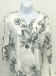 Alfred Dunner Pet. Large Gray amp; White Floral Print Stretch Knit Top NWT $10.00