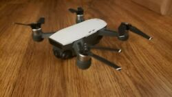 DJI Spark Drone with Controller EXTRAS Alpine White Excellent Condition $279.99