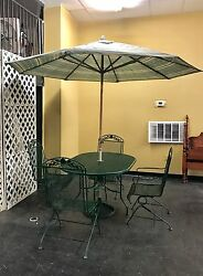 Russell Woodard Wrought Iron Outdoor Dining Set- Table 4 Chairs UmbrellaStand