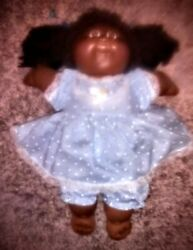 Vintage pre1985 African American Cabbage Patch Doll! She's in SUPERB CONDITION!