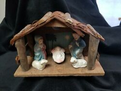 Vintage Nativity Scene With Wooden Manger Stable Italy?
