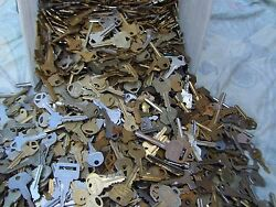 Lot of  Misc Cut  Keys 1.5 Pounds (LBS)  HOUSECARS.  Some old Art Craft..     $17.99