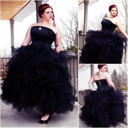 Black Victoria Gothic Wedding Dresses Tiered Ruffles Plus Size Strapless Gown