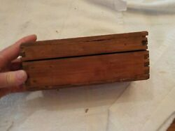 VINTAGE WOODEN DOVETAILED BOX $8.99