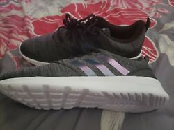 WOMENS ADIDAS SHOES NEW IN BOX SIZE 9 $45.00