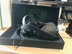 Oculus Quest VR Gaming Headset 64GB 64 gb with box mint condition $214.00