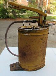 Vintage Antique 1930#x27;s Alemite Tractor Oil amp; Grease Volume Pump Can Lube #6521 $99.99