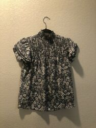 Anthropologie Blue White Floral Ruffle Blouse Small with button $18.00
