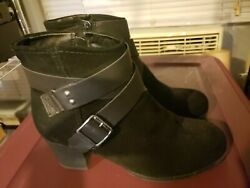 Womens boots black suede US size 9 $9.00