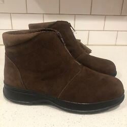 COBBIE CUDDLERS WOMENS BOOTS SIZE 9 BROWN SUEDE New With Tags NWT $24.99