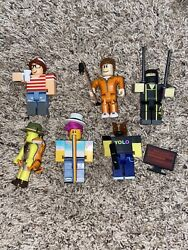 roblox mini figures with accessories $9.50
