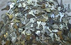 Lot of 20} old vintage antique keys $11.99