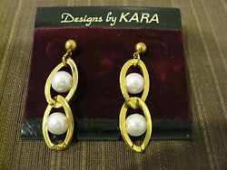 TWO OVAL SHAPE AND WHITE FAUX PEARL IN CENTER DESIGN DANGLE EARRINGS