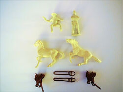 MARX LONE RANGER PLAYSET RANCH- ACCESSORIESFIGURES AND CABIN 1950s