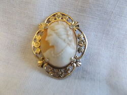 Gorgeous Vintage Gold Tone Carved Cameo Brooch