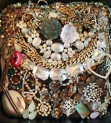 HUGE NECKLACE JEWELRY LOT VINTAGEMODERN ALL WEARABLE 17 Pieces