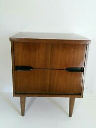 Vintage Mid Century Modern Walnut End Table - Dovetailed - 2-Drawers - Veneer