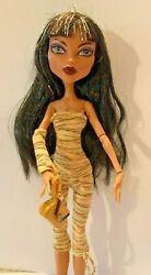 MONSTER HIGH DOLL Cleo De Nile Daughter of Mummy First Wave W Pet Snake Hissette
