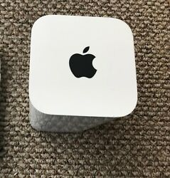 Apple AirPort Extreme 1331 Mbps 3-Port Gigabit Wireless AC Router (ME918LLA)