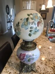 Beautiful Vintage Gone With The Wind Lamp $200.00