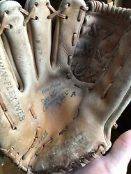 Joe Torre Baseball Mitt Leather Spalding Glove NY Yankees Cardinals Braves Mets $10.00