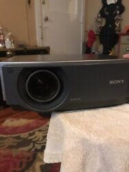 Sony BRAVIA VPL-AW15 LCD Projector With Cables & Mount $48.00