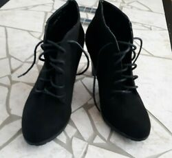 Womens boots size 11 $20.00