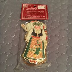1987 Merrimack quot;Mrs. Santa Decorationsquot; Set of 6 Different Die cut Images RARE $22.99