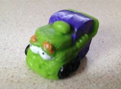 NEW # 049 Green Compost Truck Series 2 The Trash Pack Trashies $1.00