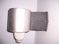 GUTH LIGHTING COMMERCIAL LIGHT FIXTURE SUITABLE FOR WET LOCATIONS..