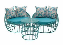 Modern Set Of Three Metal Outdoor Chair & Table