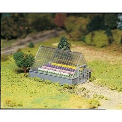 Bachmann 45615 O-Scale Plasticville Greenhouse with Flowers Snap Kit
