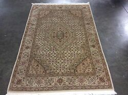 AUTHENTIC INDO TABRIZ MAHI DESIGN HANDMADE RUG MADE IN INDIA  HARDLY USED 6'X4'