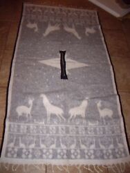 HEAVY DUTY WOOL PONCHO WHITE DEER PATTERN – Very good gently used condition  it