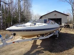 1995 forester 19.50 RIO' BOAT WINDSHIELD IN EXCELLENT CONDITIONlots of parts