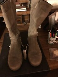 Womens Boots Size 8 $50.00