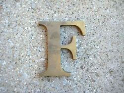 """VTG LARGE BRASS RAISED LETTER """"F"""" EXTERIOR BUILDING ARCHITECTURAL SALVAGE 5 3 4quot;"""
