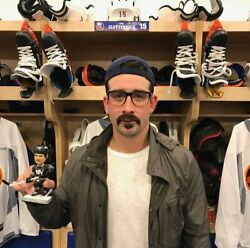 CAL CLUTTERBUCK NEW YORK ISLANDERS NEW IN BOX BOBBLEHEAD   BOBBLE HEAD