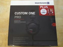 Beyerdynamic - Custom One Pro Plus - Headphones with Accessory Kit - Black