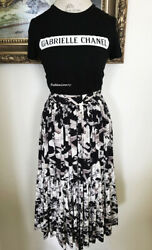 06P GORGEOUS CHANEL RUNWAY LONG PRINTED AIRWAYS SILK TIERED SKIRT 38